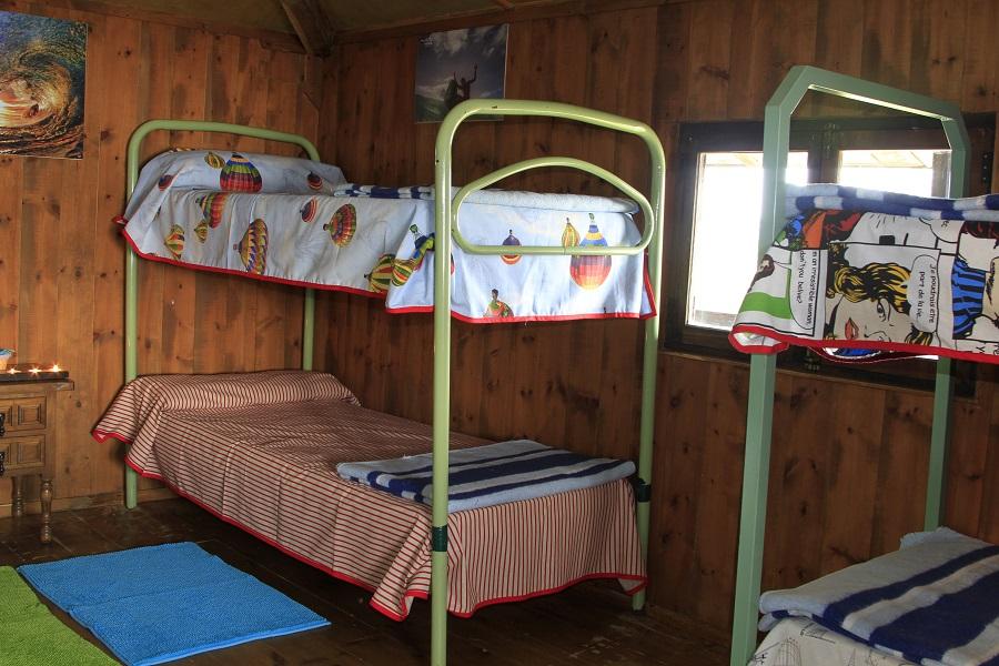 alojamiento surfcamp